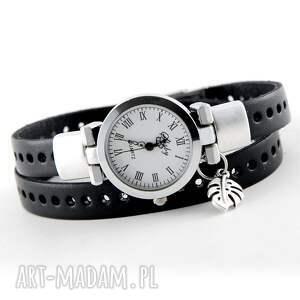 zegarek - bransoletka ze skórzanym paskiem i liśćiem monstery, zegarek