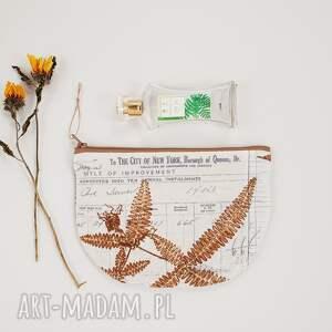kosmetyczka półksiężyc - ,kosmetyczka,vintage,roślinna,paprotka,las,góry,
