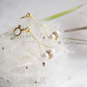 długie kolczyki z perłami, perły, perełki, pozłacane, wytworne, modne
