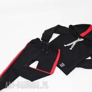 ręcznie zrobione ubranka dres synek mamusi z czerwonym lampasem