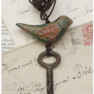 wisiorki ptak na kluczu iii, wisior, ptak, ceramika, klucz, retro