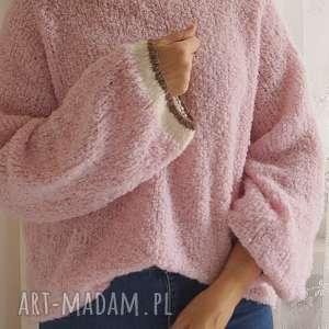 Sweter z lamówkami, sweter, boucle, dziergany, wełniany, luźny