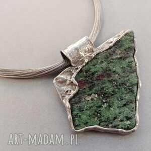 Zoisyt z rubinem naszyjniki bizuteria naturalnie kamienie