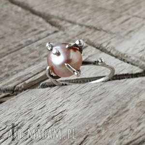 wild pearl - atomic pink i srebrny pierścionek z perłą - pierścionek srebrny