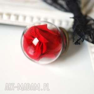 łańcuszek z prawdziwą różą - wieczna miłość, zawieszka, róża, czerwona, kwiat, kulka