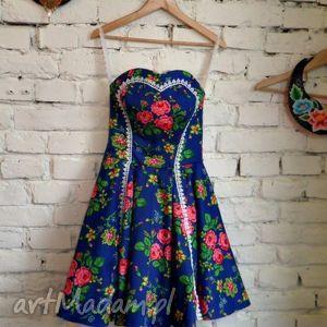 ręcznie robione sukienki folk design - szafirowa sukienka z neonowym tiulem