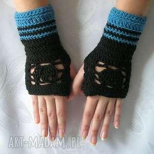 czerń i błękit - ażurowe mitenki rękawiczki ażur, paski, wzór