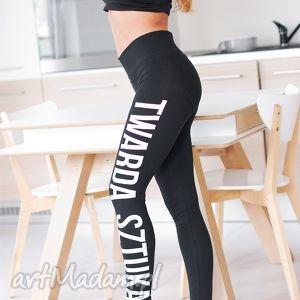 czarne legginsy push up spodnie rurki z nadrukiem twarda sztuka oversize