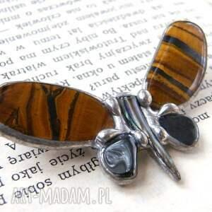 Broszka: Mały motyl tygrysi, motyl, broszka-z-kamieni, kamienie-naturalne