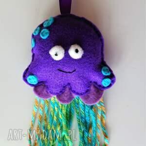 meduza z filcu na sznureczku - zawieszka, zwierzątka morskie
