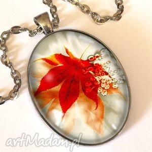 późna jesień - owalny medalion z łańcuszkiem egginegg