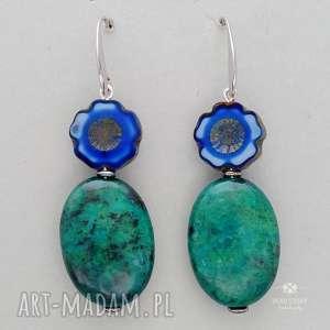 oryginalny prezent, kolczyki anemony z chryzokolą, bigle, metal, szkło, chryzokola