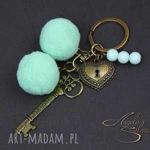 ~angelo~ brelok do kluczy, torebki pompony miętowe, brelok, klucz, pompony, mięta