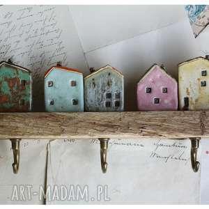wieszaki wieszak z domkami na skarpie ii, ceramika, domek, wieszak, drewno