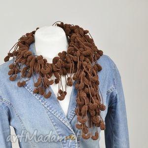 pom-pon scarf - czekolada - czekolada, brązowy, szalik, owijak, oryginalny, pompon
