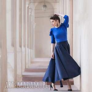 granatowa spódnica z koła, elegancka, wełniana, minimalizm, maxi, długa, asymetria