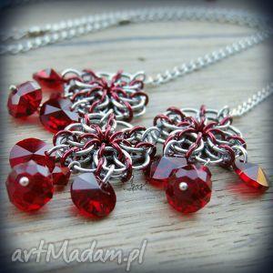 srebrno-aluminiowy naszyjnik chainmaille z kryształkami czewrone kwiaty - kwiaty