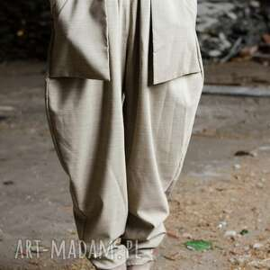 wełniane spodnie z kieszeniami, wełniane, eleganckie, szarobeżowe, kieszenie