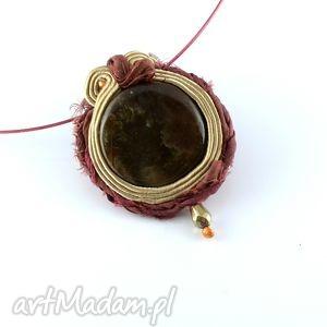 Brązowy wisior sutasz z jedwabiem - ,wisior,bezowy,sari,jedwab,boho,tribal,