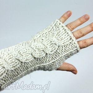rękawiczki ecru z warkoczem, zima, mitenki, rękawiczki, bezpalczatki, ręka, święta