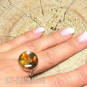 srebrny regulowany pierścionek z bursztynem bałtyckim