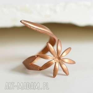 KWIAT pierścionek lata 70-te ♥, kwiat, pierścień, miedź, 70, vintage, okrąg