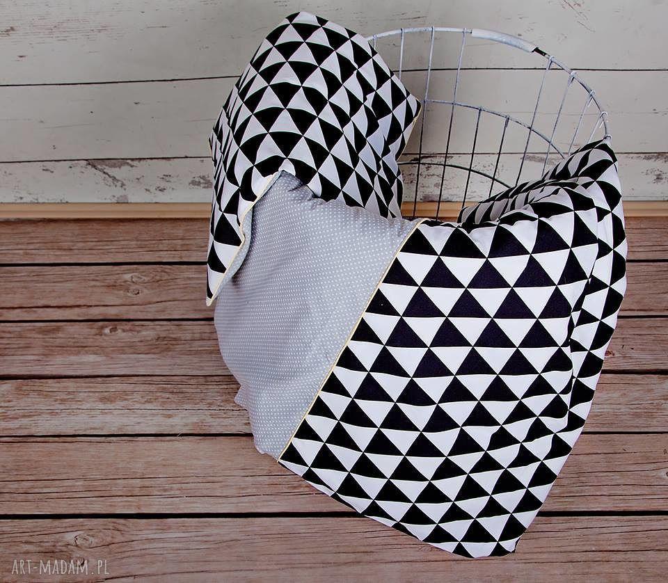 handmade pokoik dziecka pościel dziecięca czarne trójkąty scandi