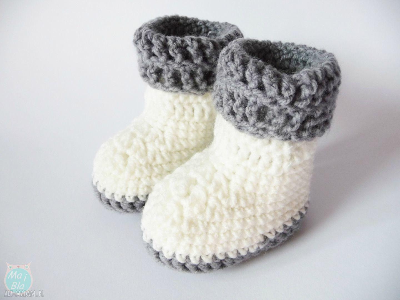 handmade buciki buciki szydełkowe białe