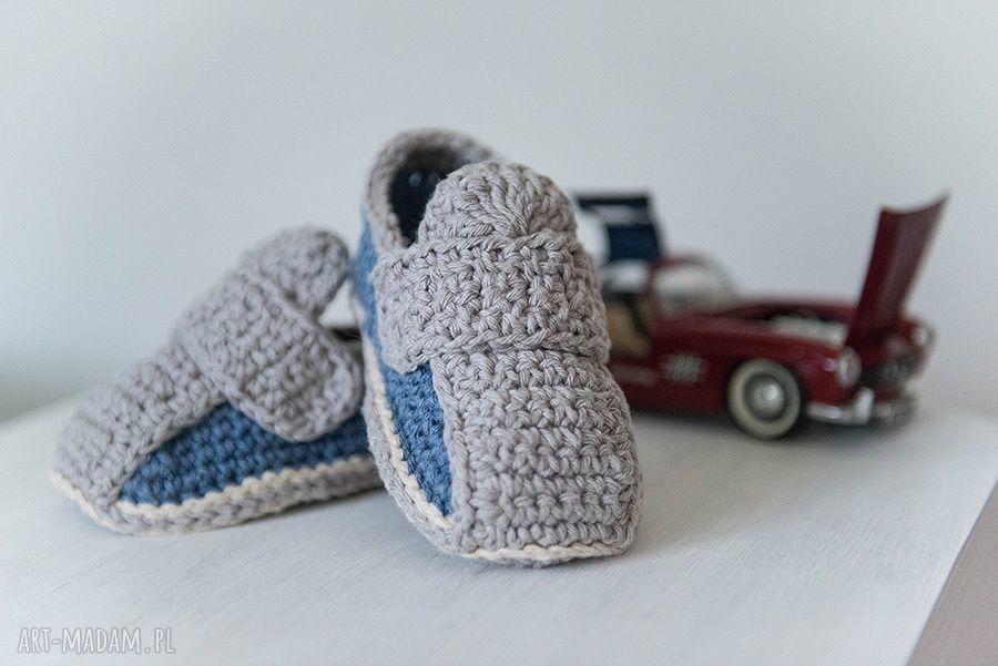 ręcznie zrobione buciki buciki