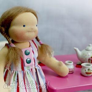 lalki-waldorfskie lalka waldorfska pusia czerwony kapturek, miś legginsy
