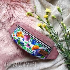 ręczne wykonanie nerki nerka saszetka różowa kwiaty