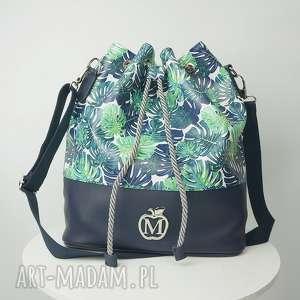 torebka worek w stylu boho mega odważnym kolorze palmy liście czyli to co modne