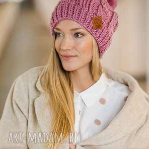 brain inside business instinct kwarcowy róż, różowa, baby pink, czapka