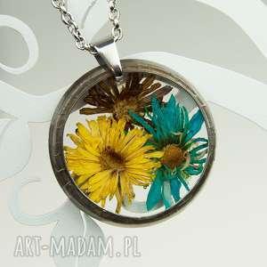 naszyjnik z suszonymi kwiatami , herbarium jewelry, kwiaty w żywicy z1073