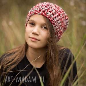 czapki ręcznie robiona czapka karmazyn hand made, czapka, czapki, wełna, szydełko