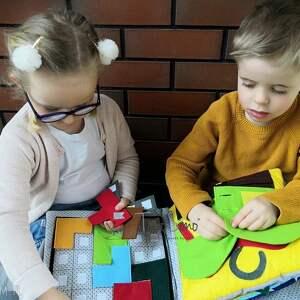 dla dziecka książeczka sensoryczna quiet book przedszkolaków