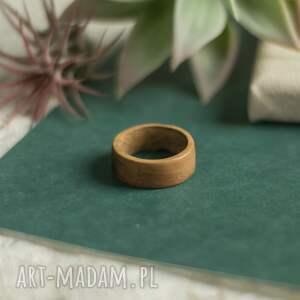 ręcznie zrobione obrączki męska obrączka z drewna tekowego