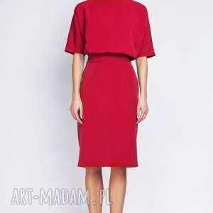 sukienka, suk123 czerwony, sexy, elegancka, kobieca, wyszczuplająca