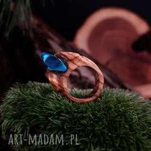 drewniany pierścień lączony z żywicą druids ring, drewniany, prezent, żywica
