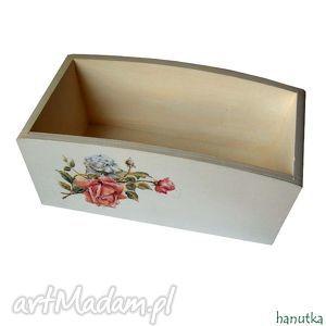 bukiecik róż - pudełko pojemnik - róże, romantyczne