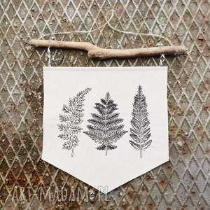 zawieszka proporczyk paprotki - ,zawieszka,las,drewno,paproć,paprotki,haft,