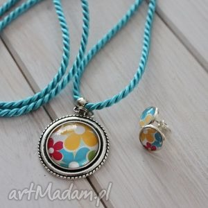 Kolorowa biżuteria w kwiaty, kolorowe, długi, naszyjnik, wisiorek, medalion