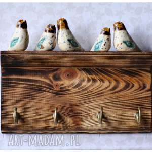 półeczka wieszaczek z kolorowymi ptaszkami, wieszak, ptak, drewno, ceramika