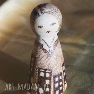 miejski spleen - ręcznie wypalana drewniana laleczka - melancholia