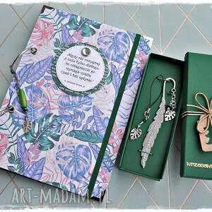 zestaw prezentowy monstery - notatnik, zakładka i zawieszka, monstera, notatnik