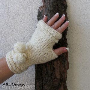 rękawiczki - rękawiczki, mitenki, ecru, pompony, styl, design