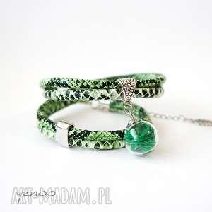 ręcznie robione zielone piórko - bransoletka - owijana, wężowa