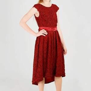 koronkowa sukienka z paskiem, koronkowa, gipiura, elegancka, wesele, wieczorowa