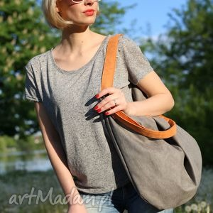 Szary worek z ekologicznego zamszu pomarańczowymi rączkami, torba, torebka,