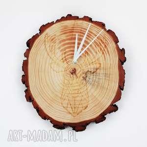 Drewniany zegar ścienny z jeleniem, zegar, las, leśny, drewno, jeleń, jelonek